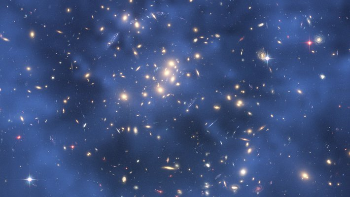 Hubble image of a galaxy cluster with dark matter