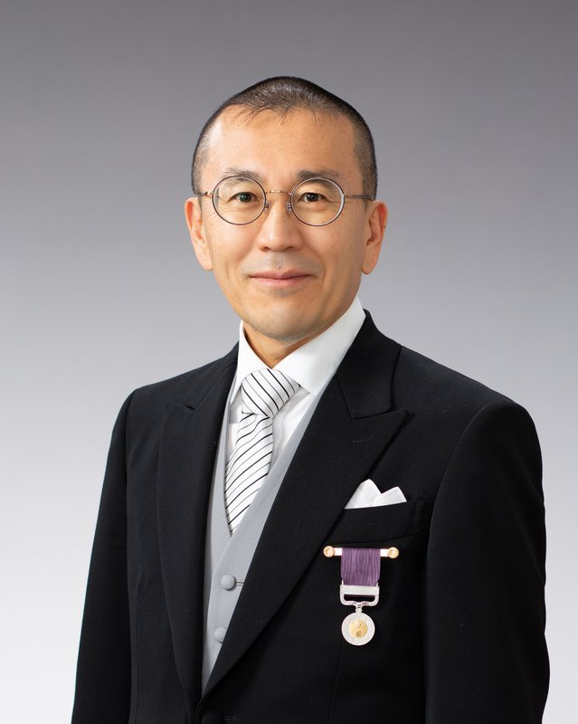 Hirosi Ooguri with Medal of Honor