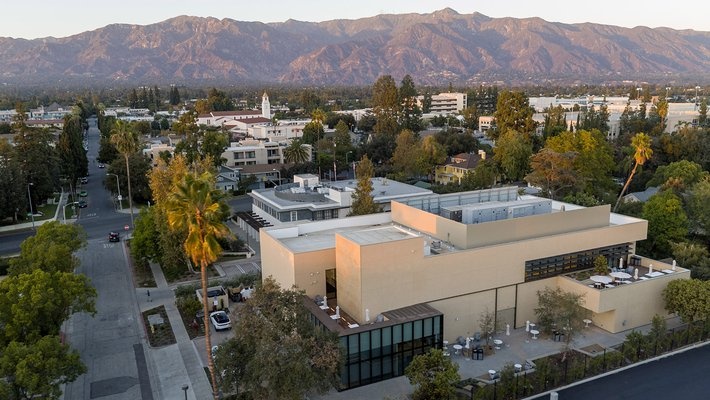 Photograph of the AWS Center for Quantum Computing at Caltech.