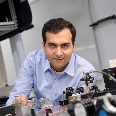 Headshot of Professor Alireza Marandi