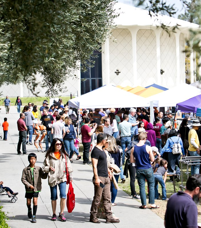 Participating groups, including several from campus and JPL as well as the Natural History Museum of Los Angeles County, Pasadena City College, and the Los Angeles Zoo, hosted dozens of booths.