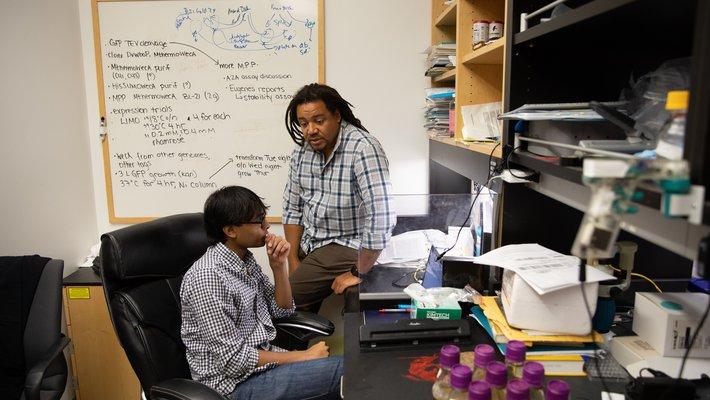 photo of Bil Clemens with graduate student Shyam Saladi