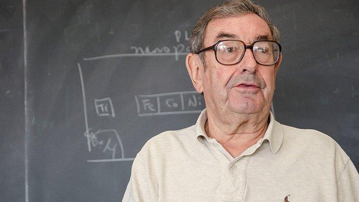 Caltech chemist Harry Gray