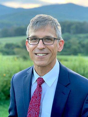 Headshot of Professor Jonas Peters