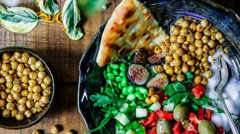 plate of fiber-rich foods