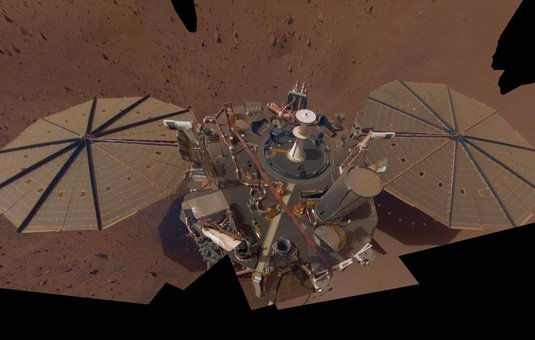 picture of InSight lander