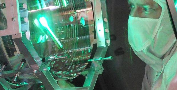 picture of LIGO's mirrors