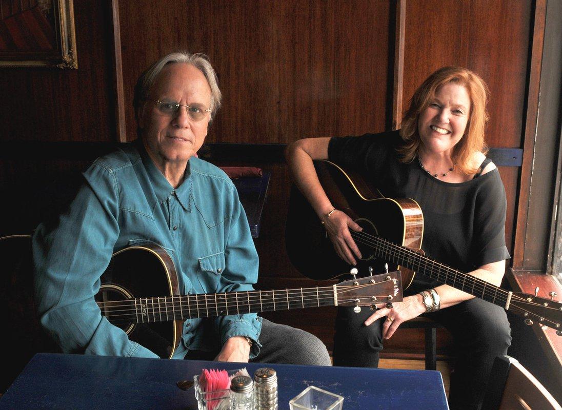 photo of Robin and Linda Williams