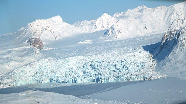 Photo of a glacier in the Arctic region.